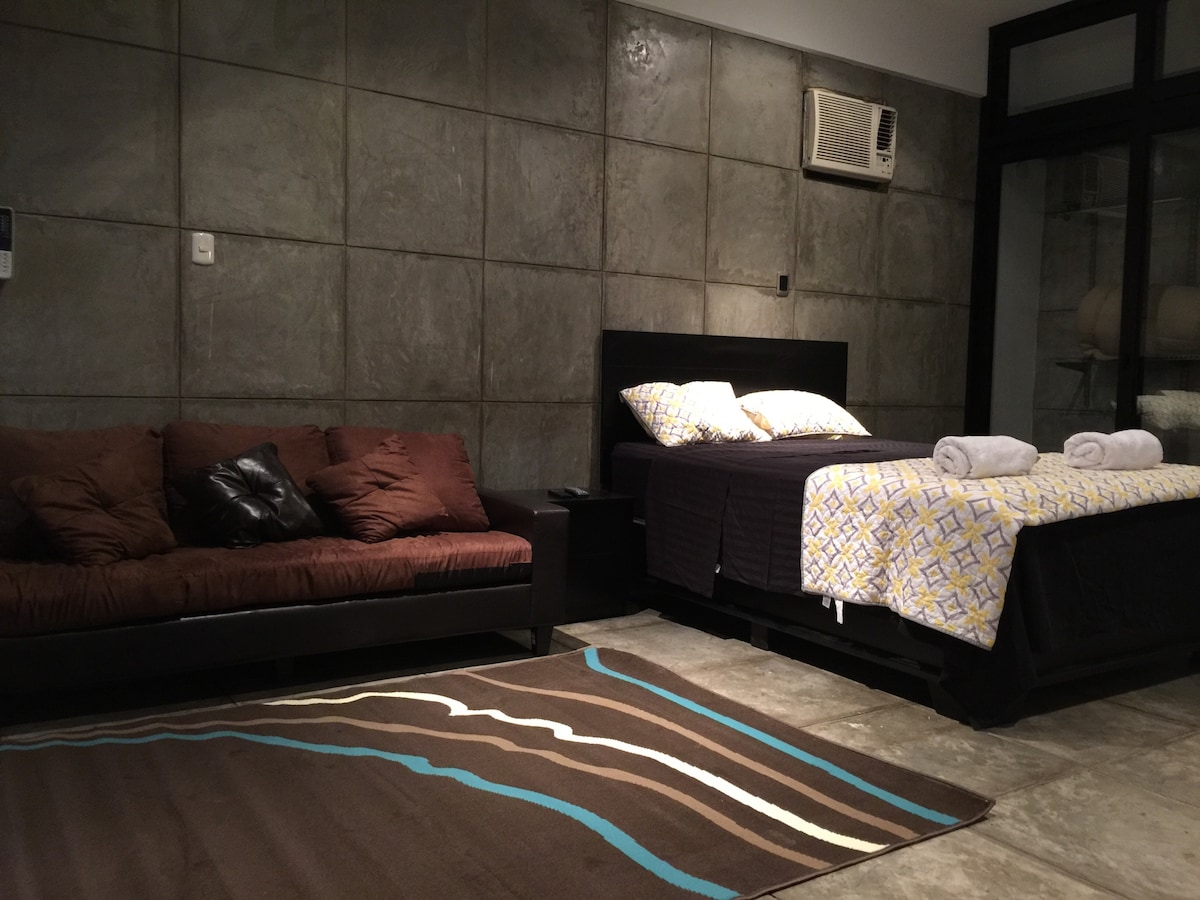 Master Suite with an extra Room !!
