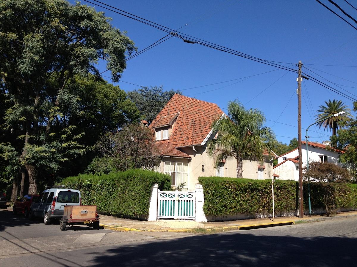 Important English style house