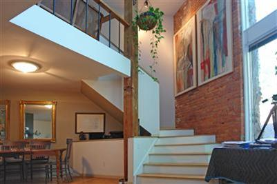 Tremont loft 5 min. drive from RNC