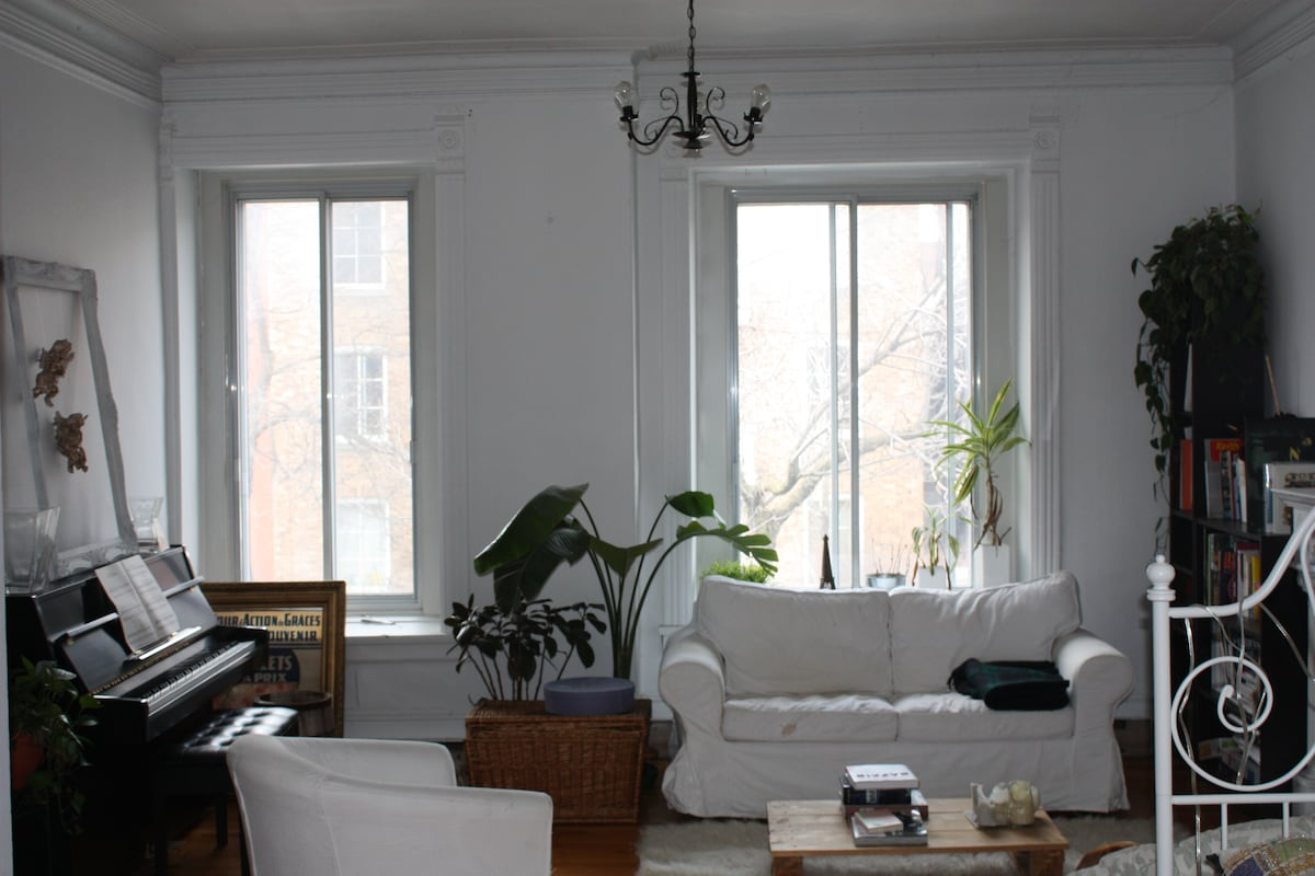 HUGE room in heart of Mile-End