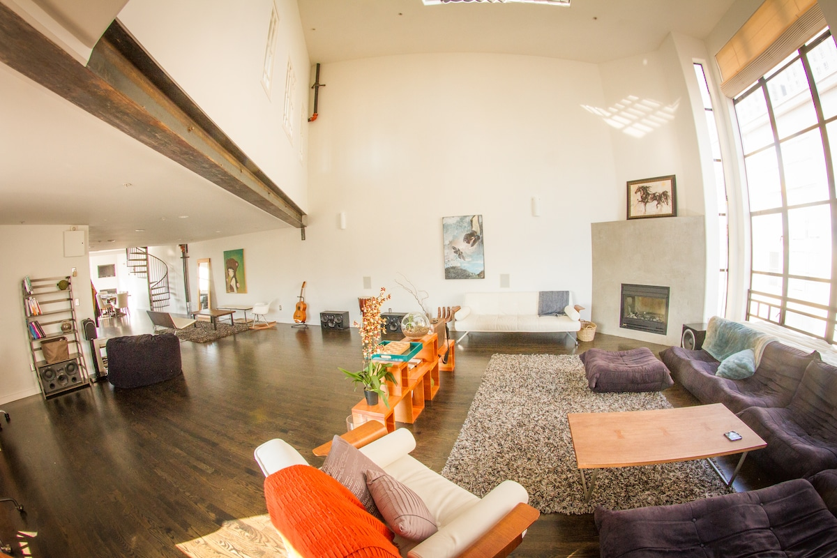 Spacious 2 bedroom loft