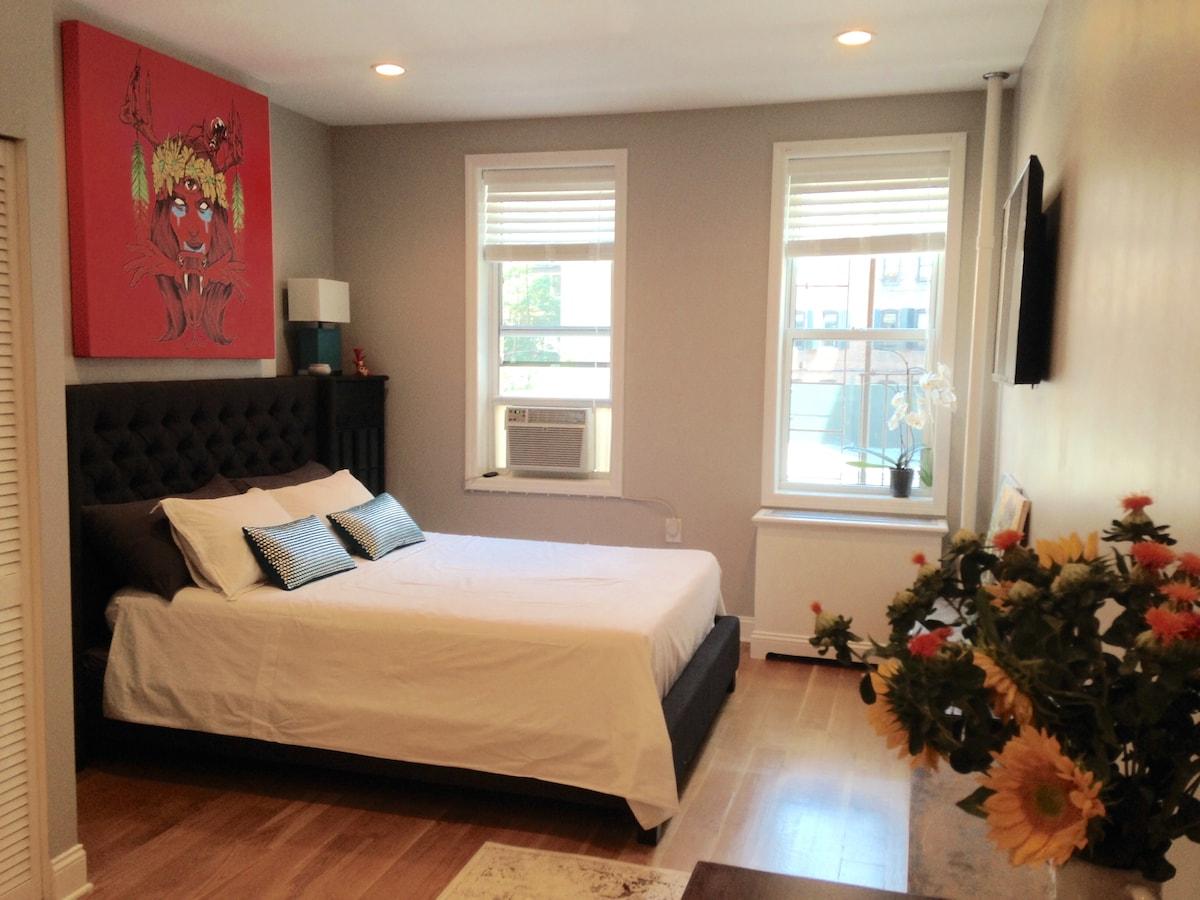 Chic Studio + One Bedroom Flat