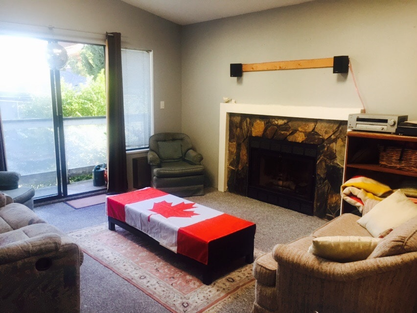 1BR, Caracter Home, 20mins downtown