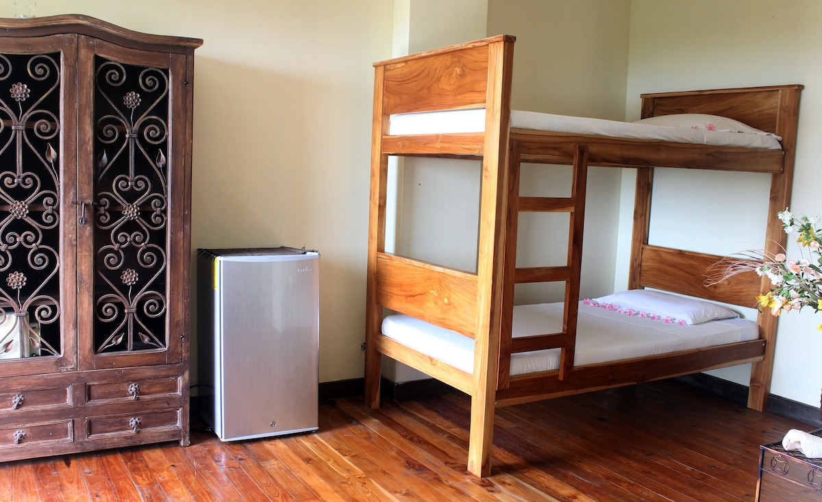 extra bunk bed