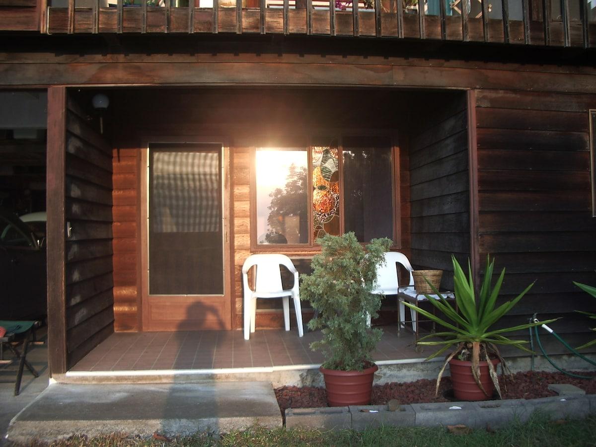 Front porch overlooking Kona coast