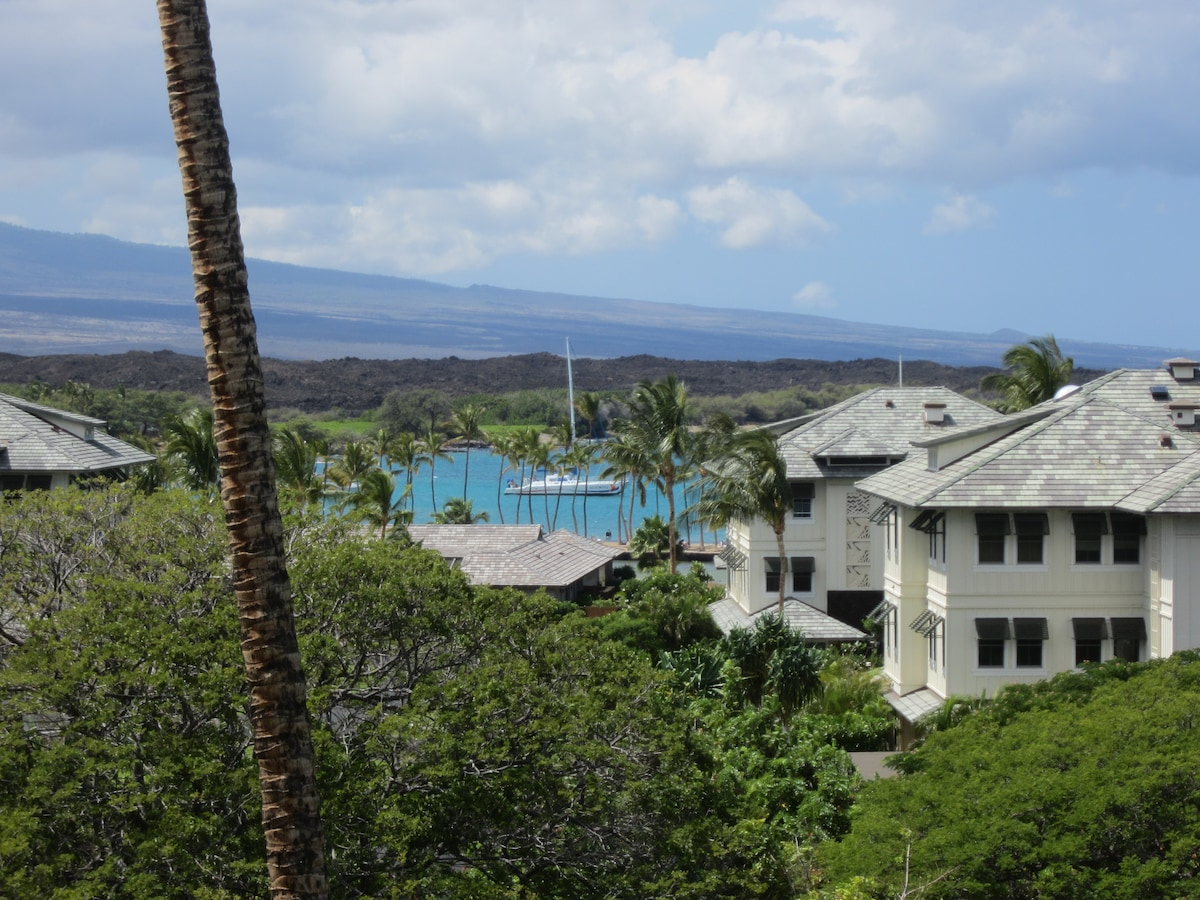 Hualalai Volcano can also be seen from the lanai
