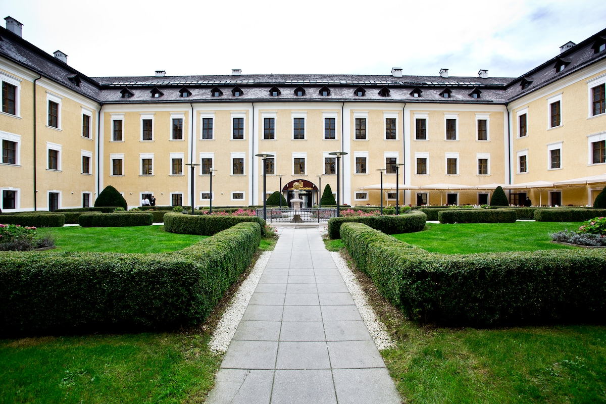 Holiday/Flat in a castle near Salzb