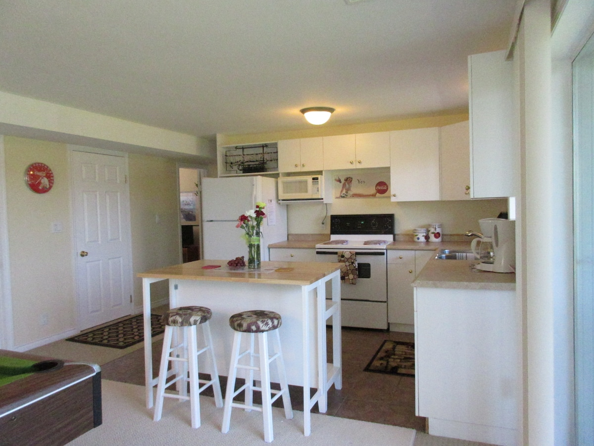 1 bdrm suite on the Wine Trail