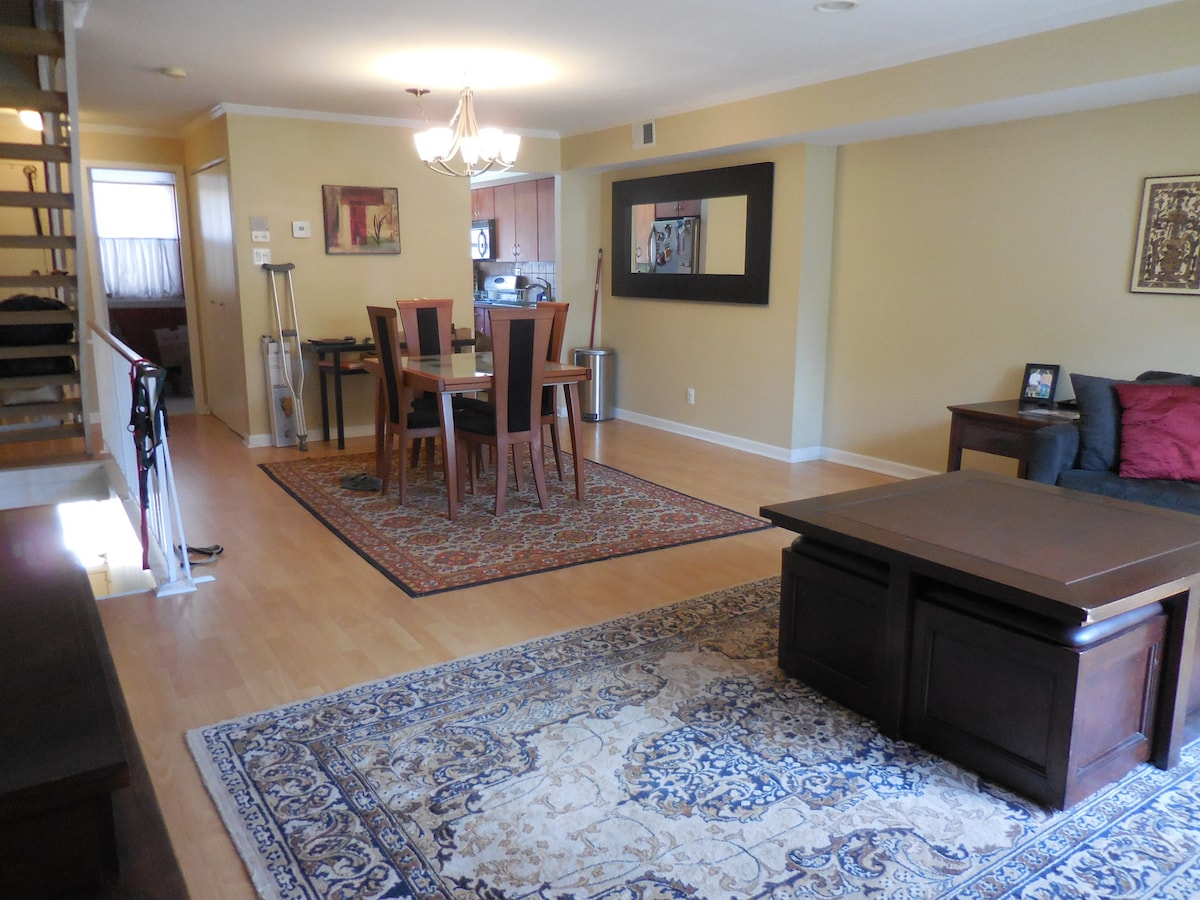 Townhome, Minutes from Papal Visit