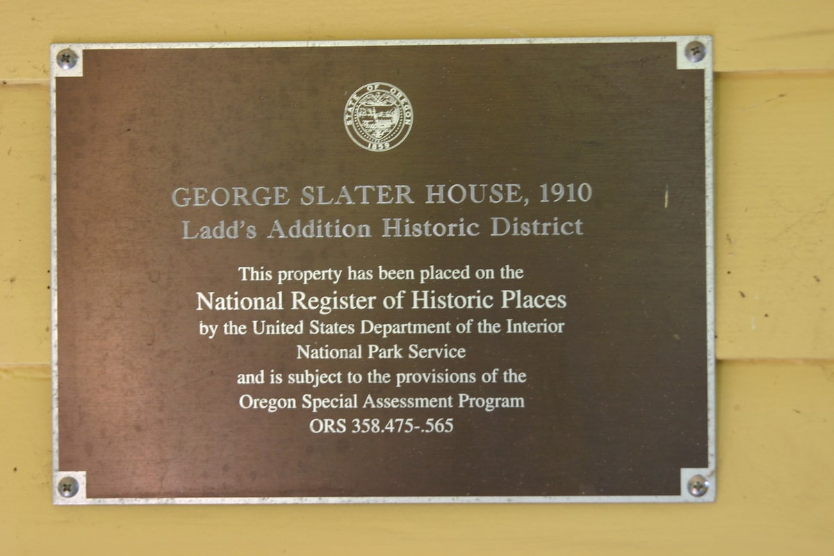 The historic plaque and designation of Slater House.