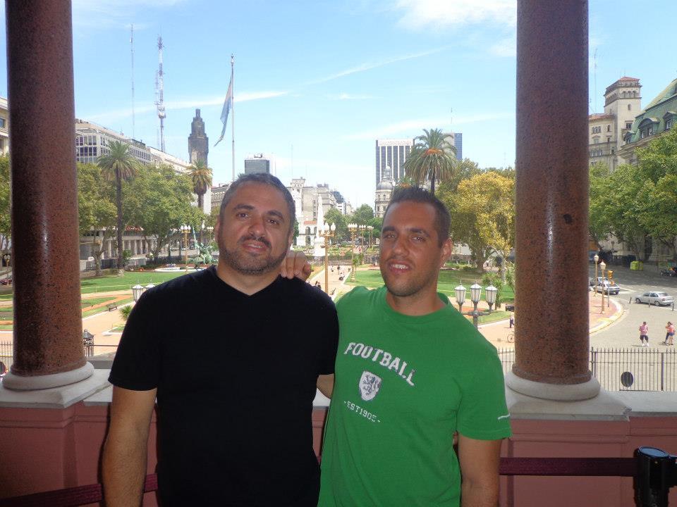 Somos una pareja de cubano-argentinos viviendo en