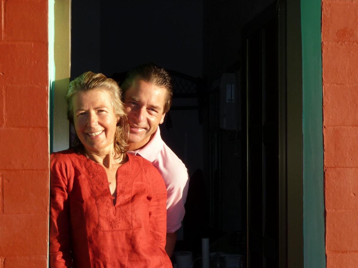 Dominique Et Brigitte From Brussels, Belgium