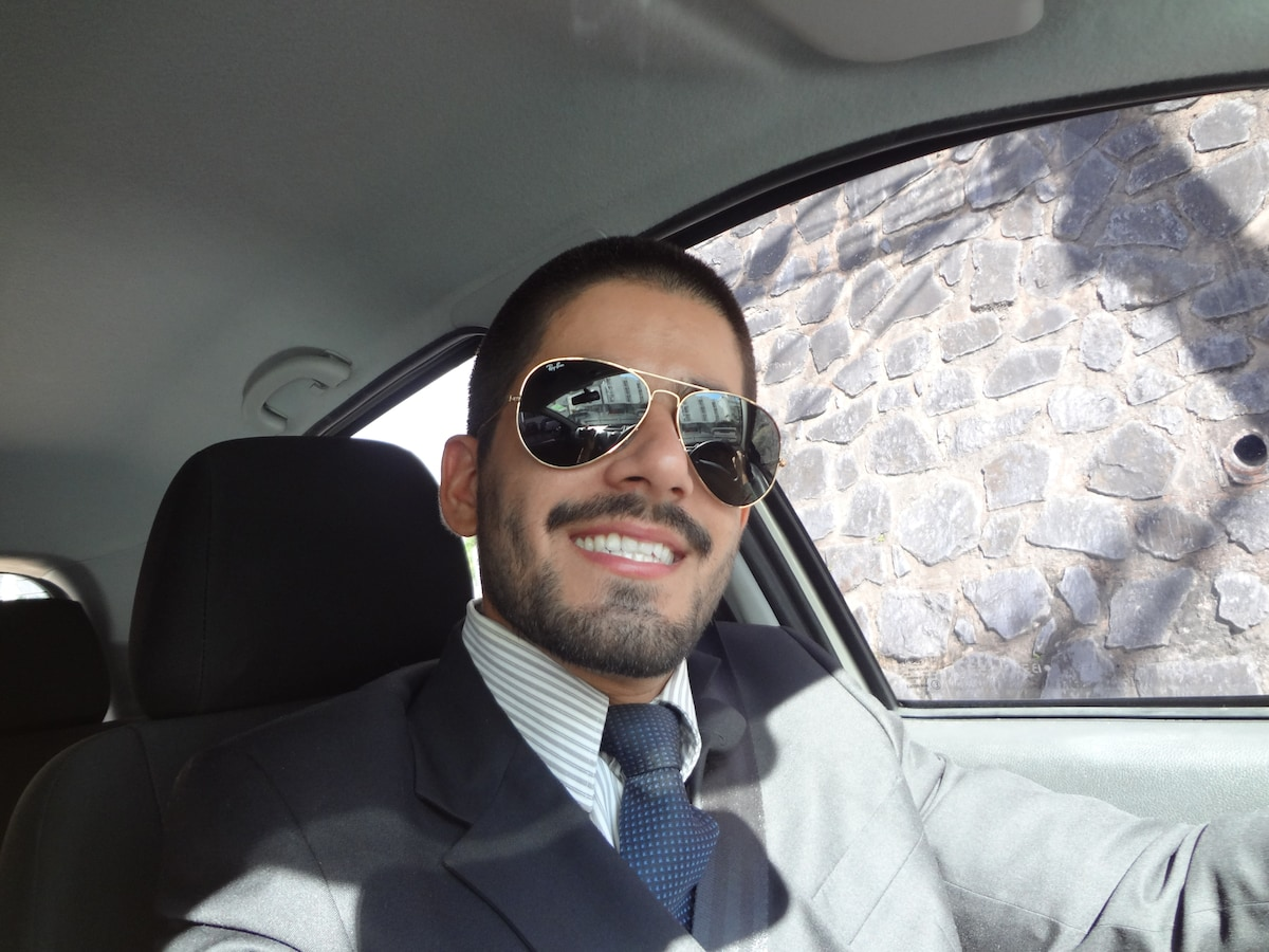 Hello! I'm a lawyer living in Salvador, Bahia, Bra