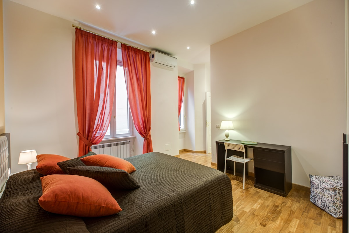 I have many apartments in Rome. You can contact me