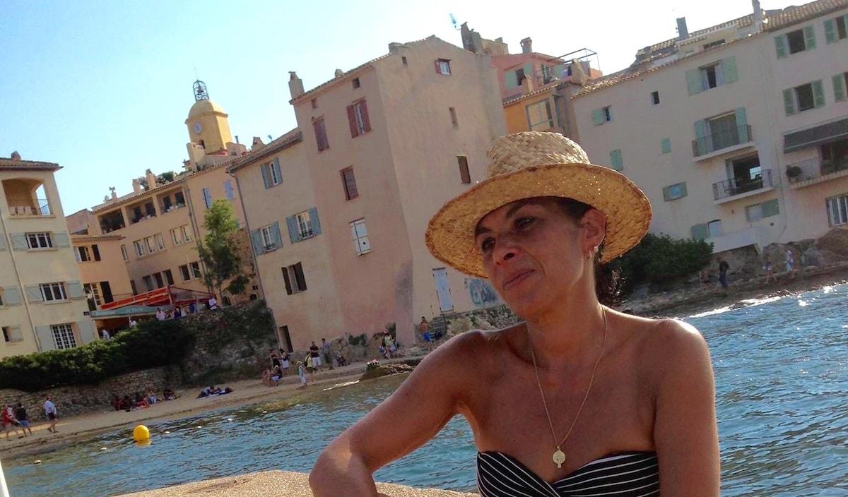 Roseline From Saint-Tropez, France