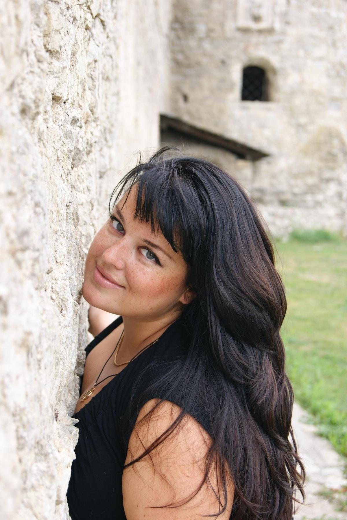 Yuliya from Toronto
