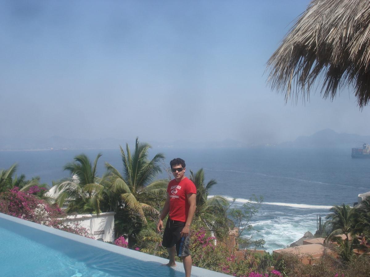 Gerardo from Manzanillo Municipality
