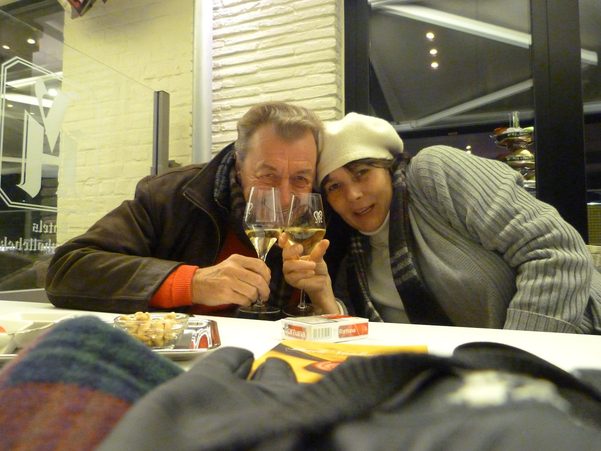 Theodora Et John from Saint-Gilles
