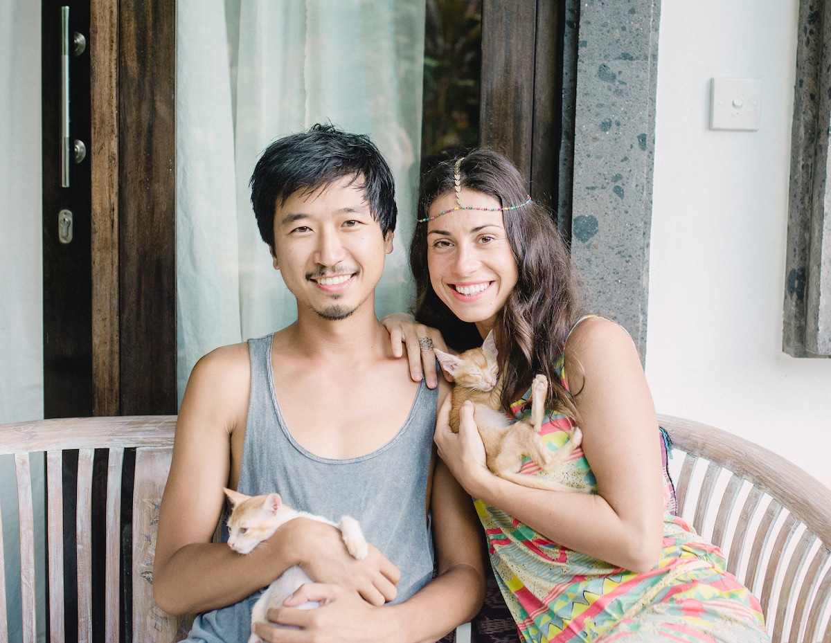 We are a couple living in Ubud with our two beauti