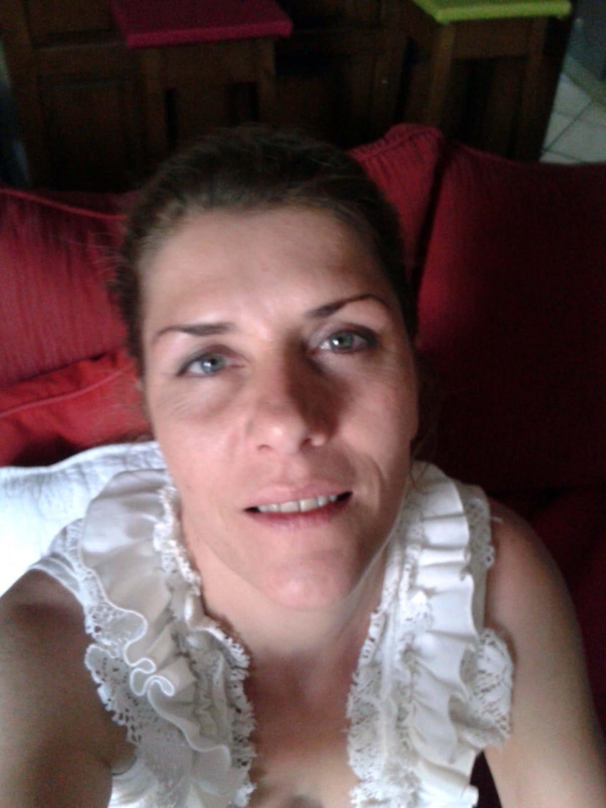 Kelly from Nîmes