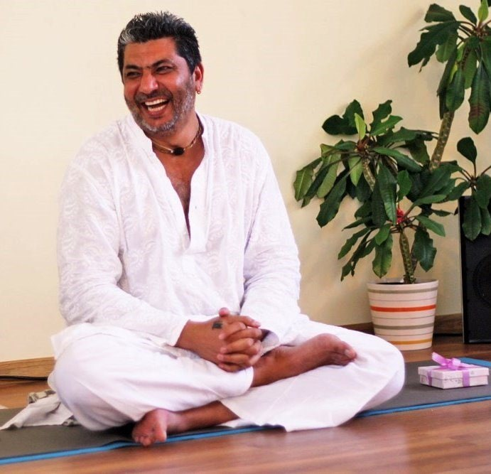 Hello friends, I am a Kundalini and Laughter Yoga