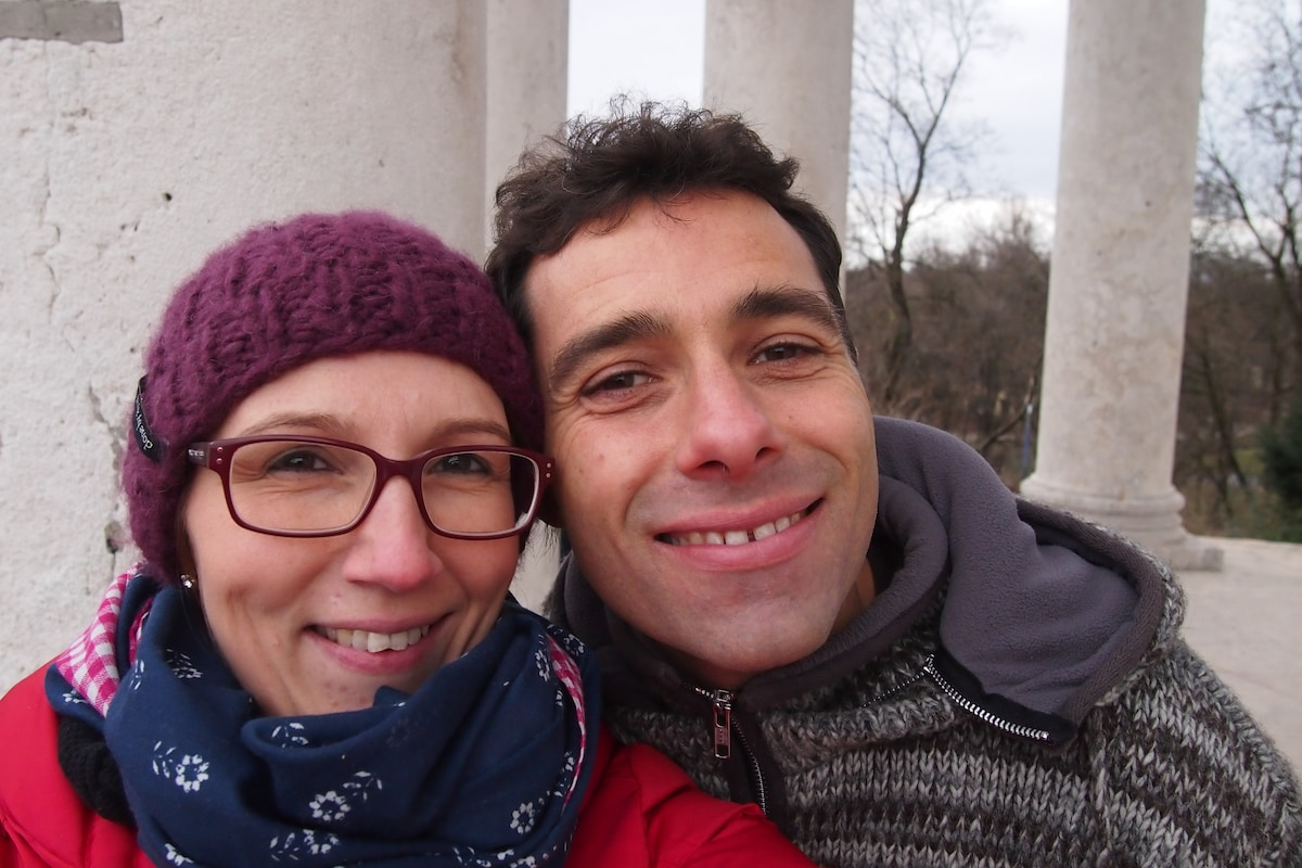 Hi there and welcome! We are Martin & Tamara, a y