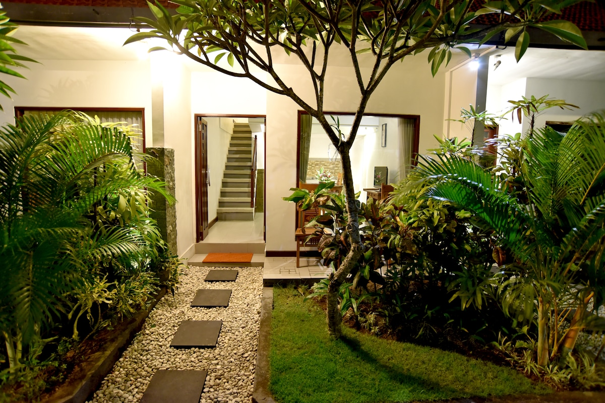 La House Apartment from North Kuta