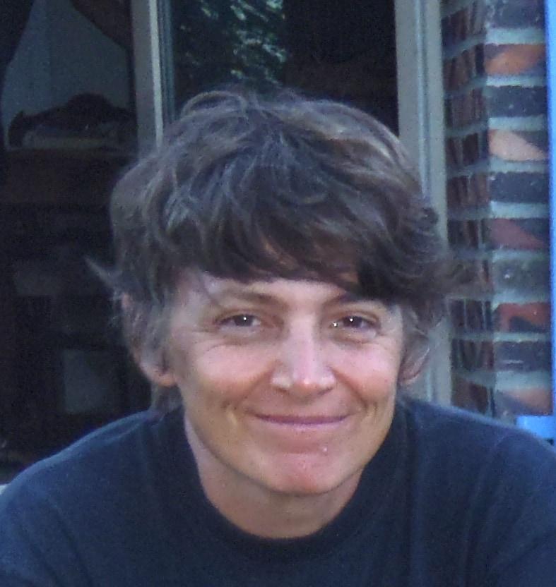 Hélène from Villeneuve-lès-Avignon