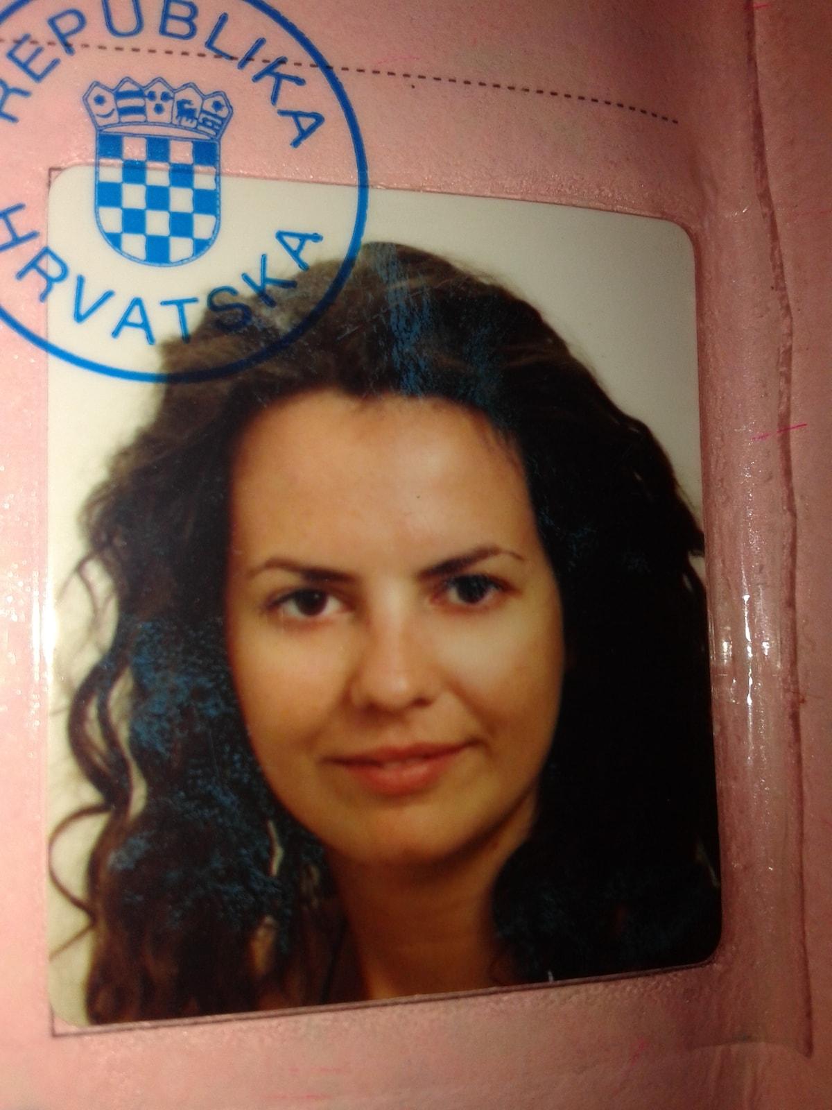 Ana From Kaštel Kambelovac, Croatia