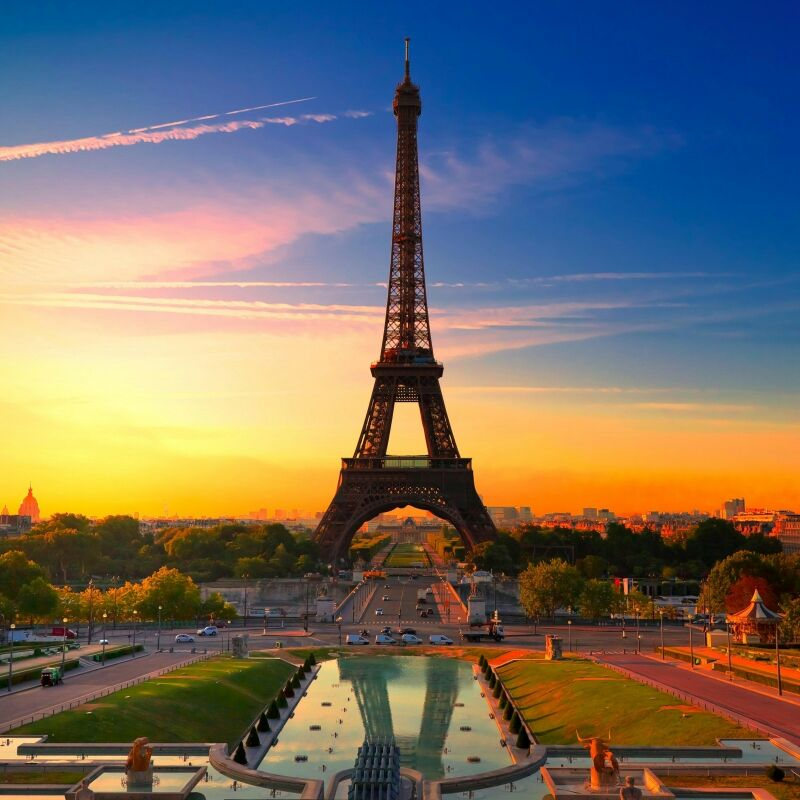 Linda from Paris