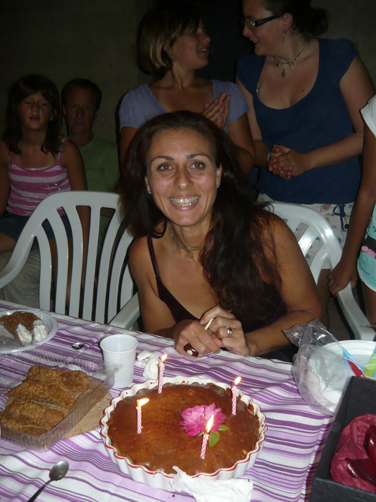 Giovanna From Castagneto Carducci, Italy