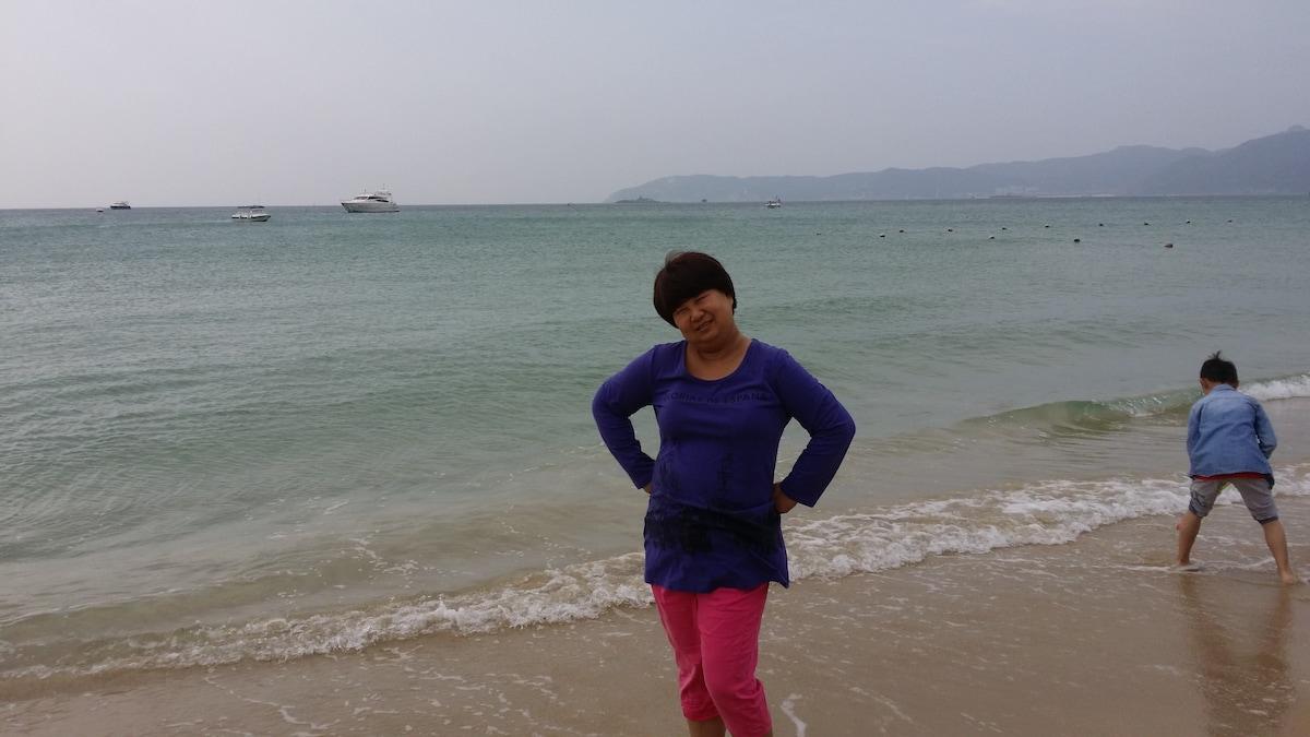 依莲 from Chongqing