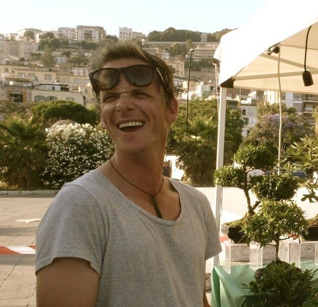Hi I'm Tom from New Zealand. I'm working all aroun