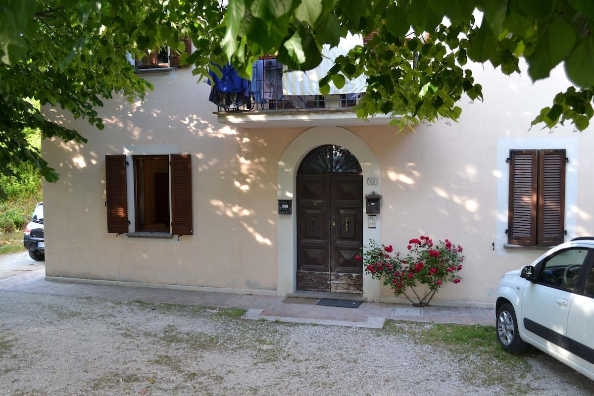 Silvia from Fossato di Vico