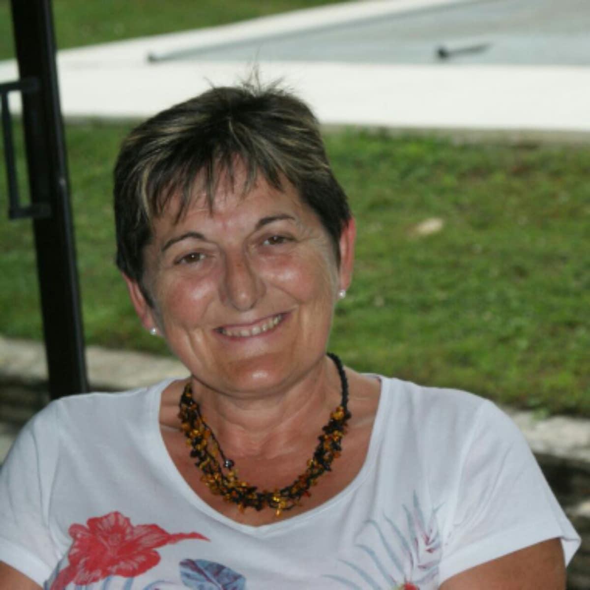 Sylviane from Saint-Cannat