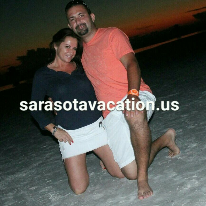 Chek this out:   www.sarasotavacation.us ........