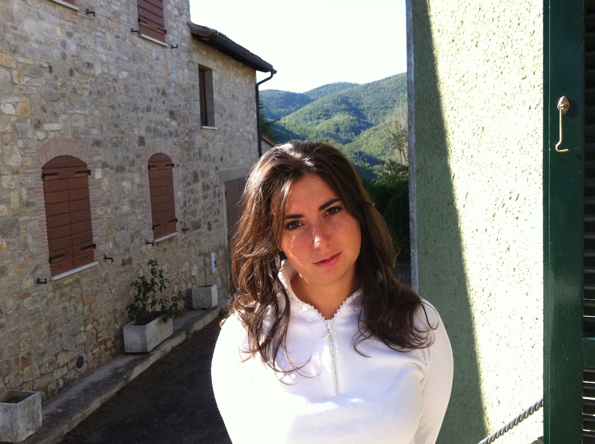 Emanuela from Baschi