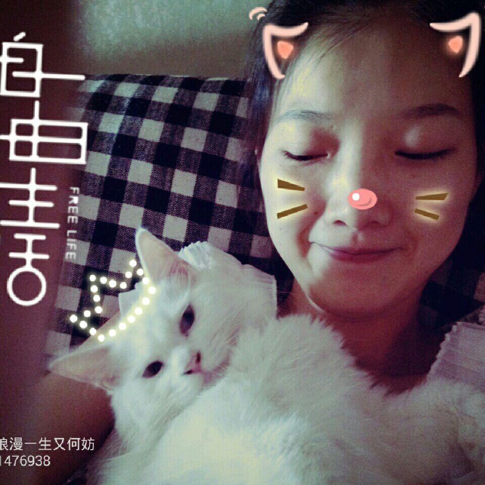 前几年胡乱到处溜达,机缘巧合下留在天津。本人基本木有脾气,和谁都可以聊得来,爱玩,爱民谣,爱猫,爱音