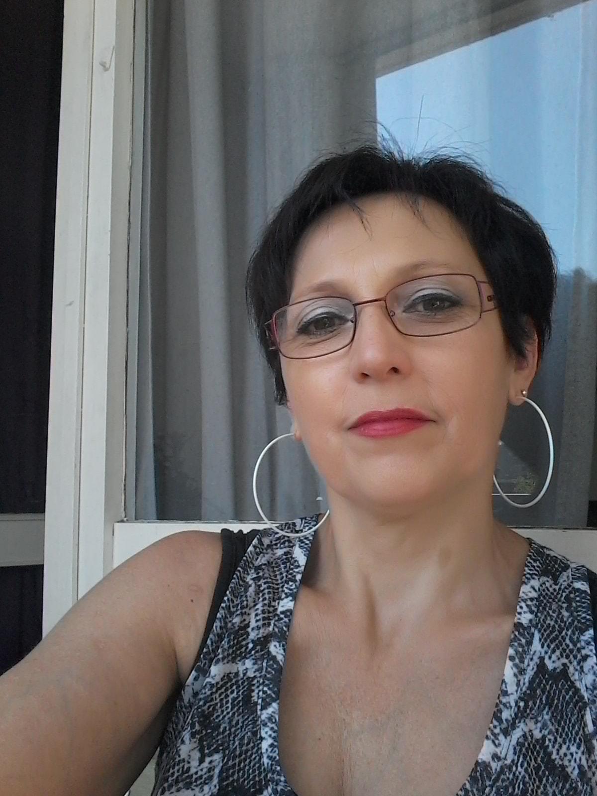 Nadine from Villeurbanne
