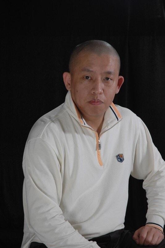 辉 from Dalian