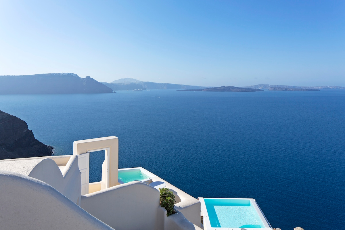 Thanassis from Oia