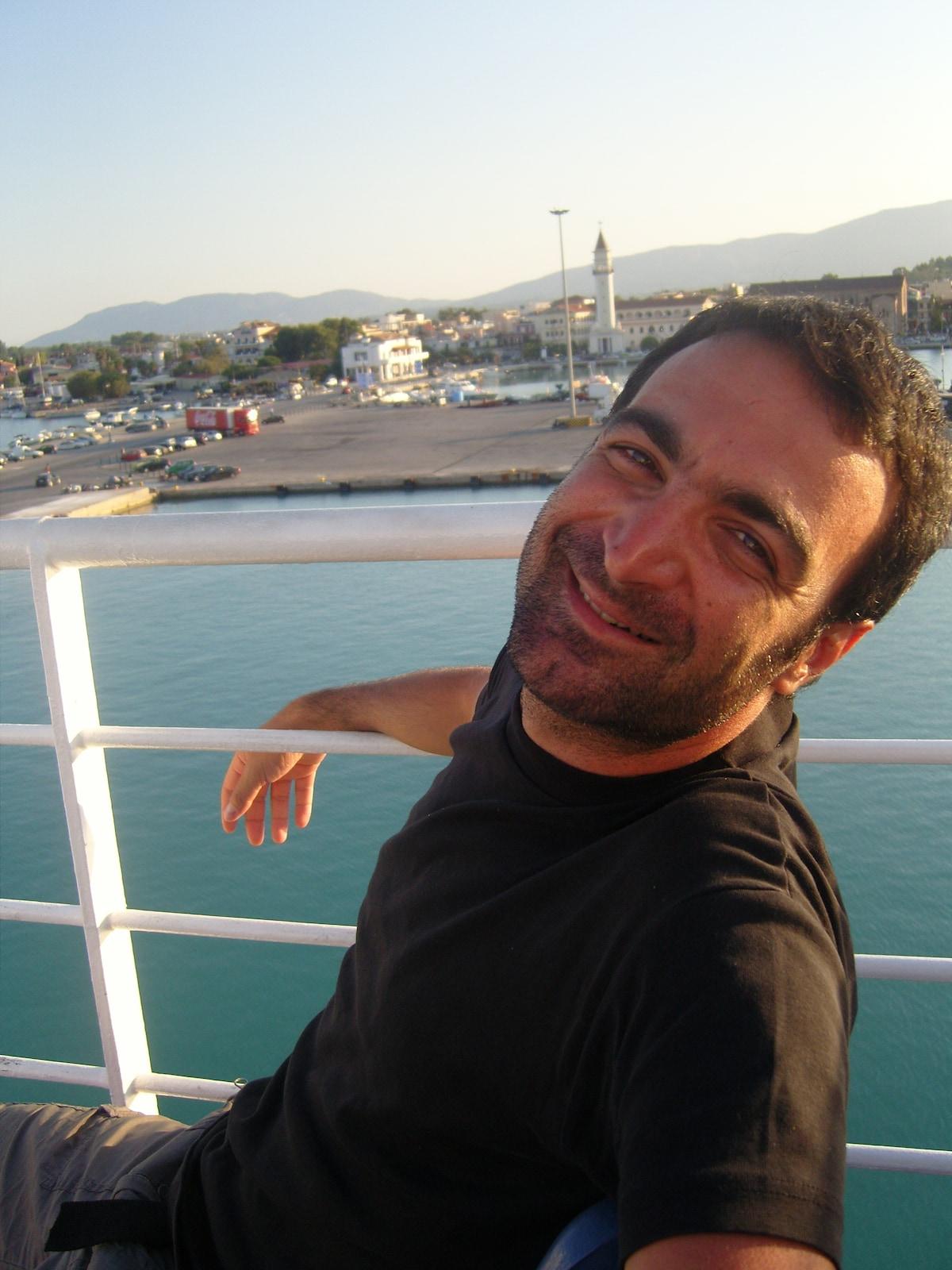 Andreas From Nea Smyrni, Greece