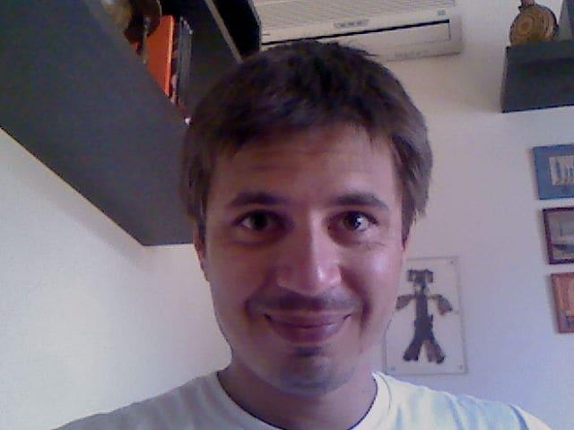 Sono di Roma, sono un ingegnere e mi occupo di acq