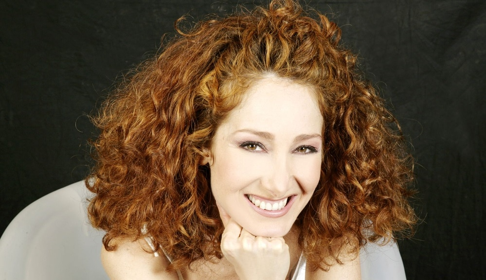 I am an Italian actress and author of TV and theat