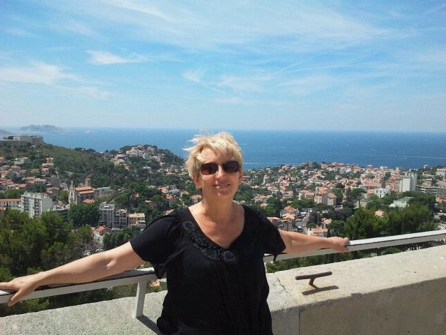 Je m'appelle Anna. Marseillaise depuis 20 ans. J'a