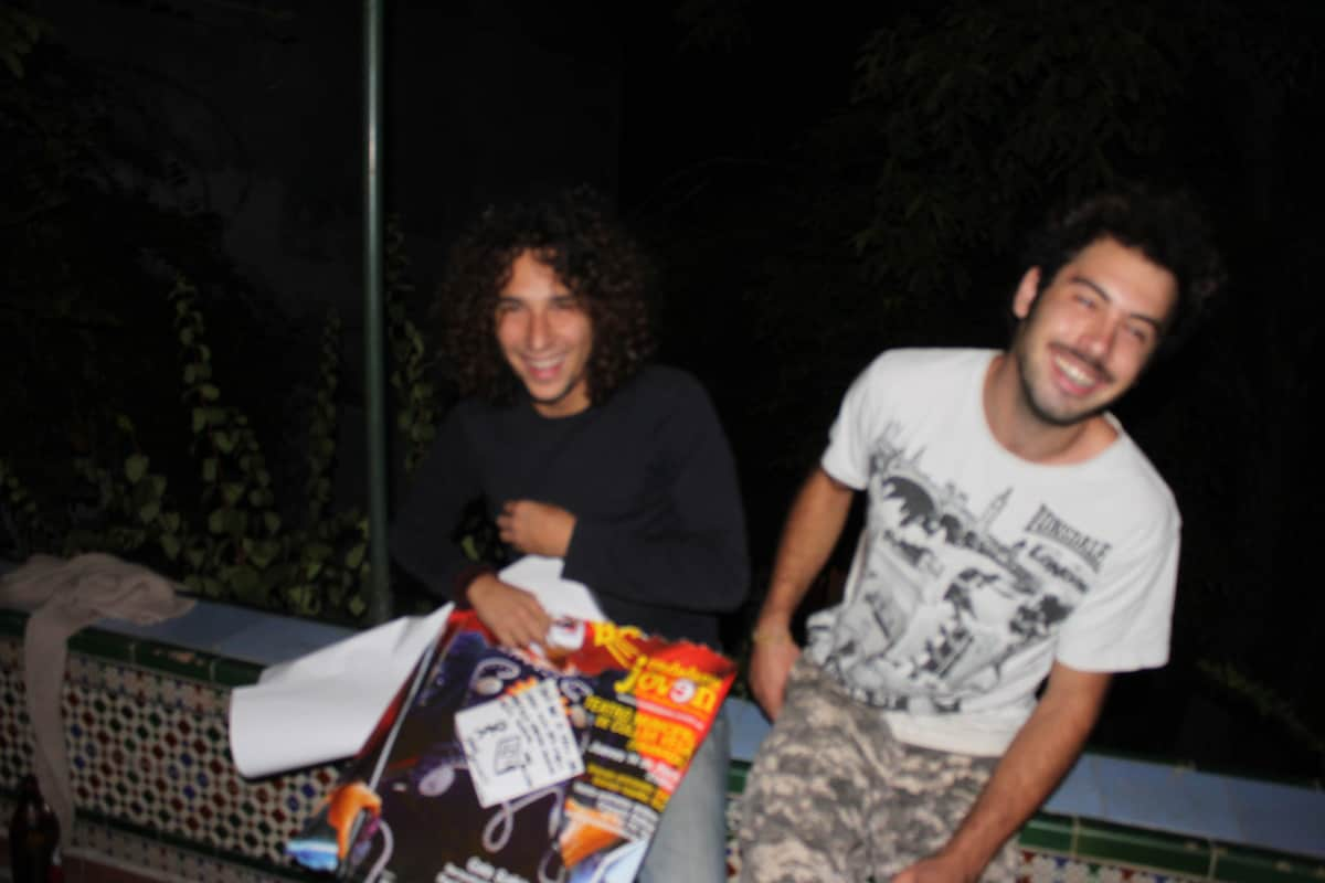 We are 2 Italians students settled in Granada sinc