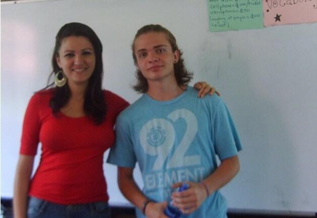 Estudiante , 18 años, social ,agradecido con la vi