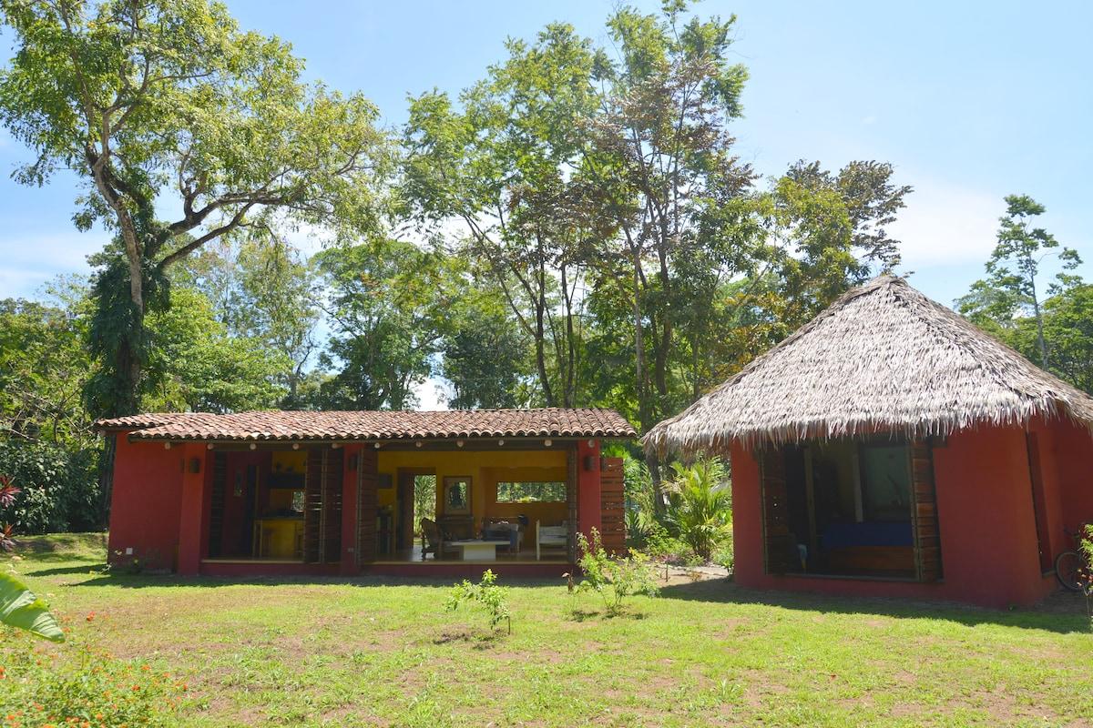 Debora from Puerto Viejo de Talamanca