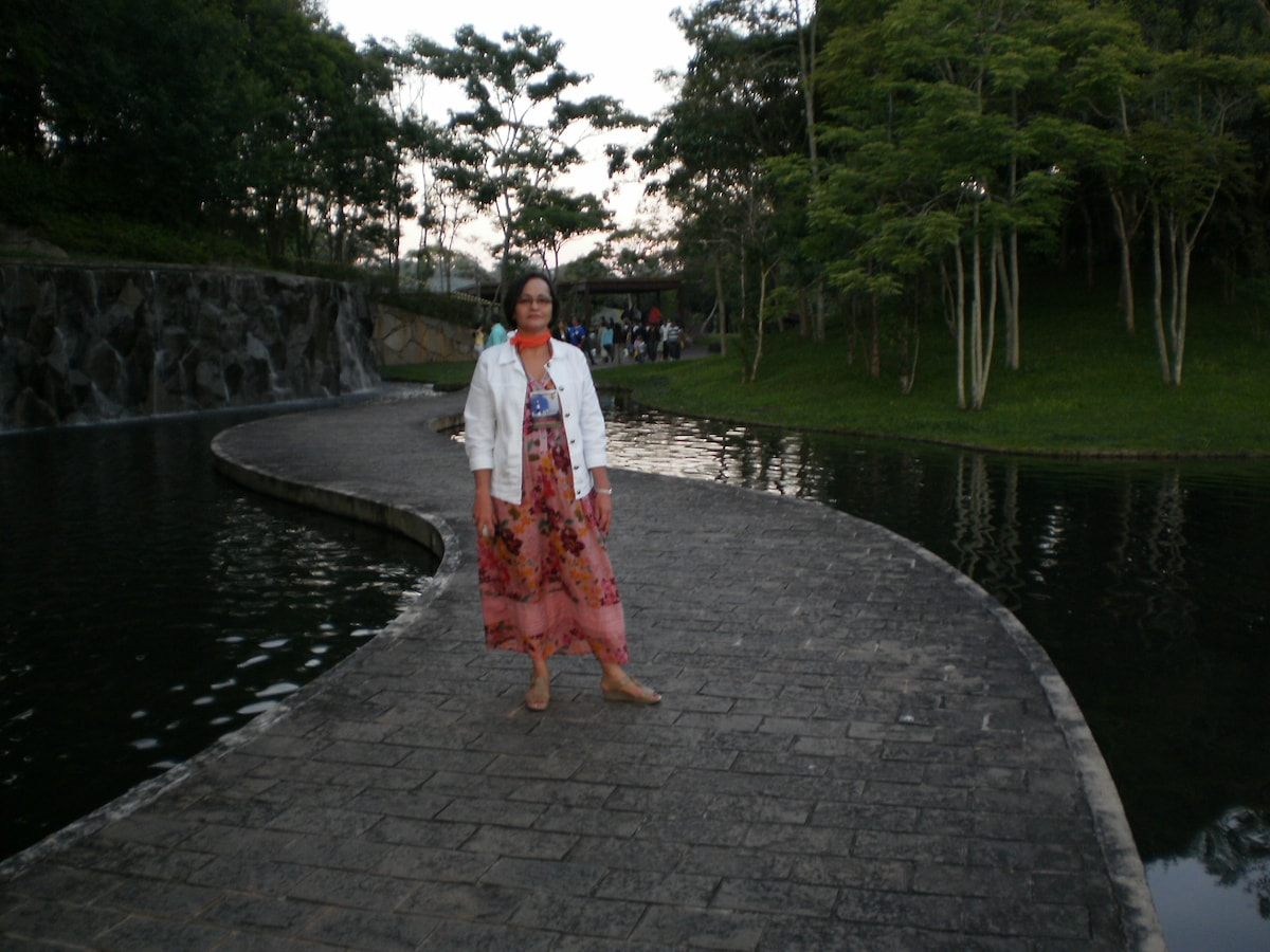 Liza from Salvador