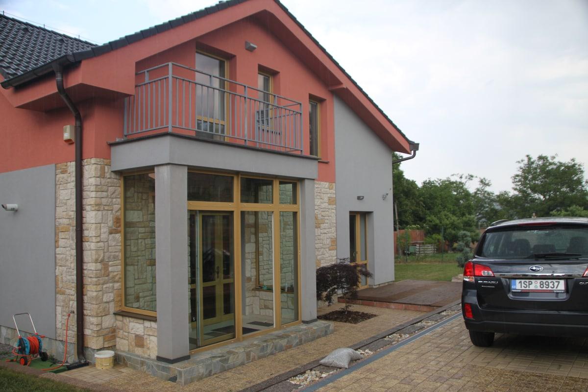 Новый дом 17 км от Праги г. Beroun